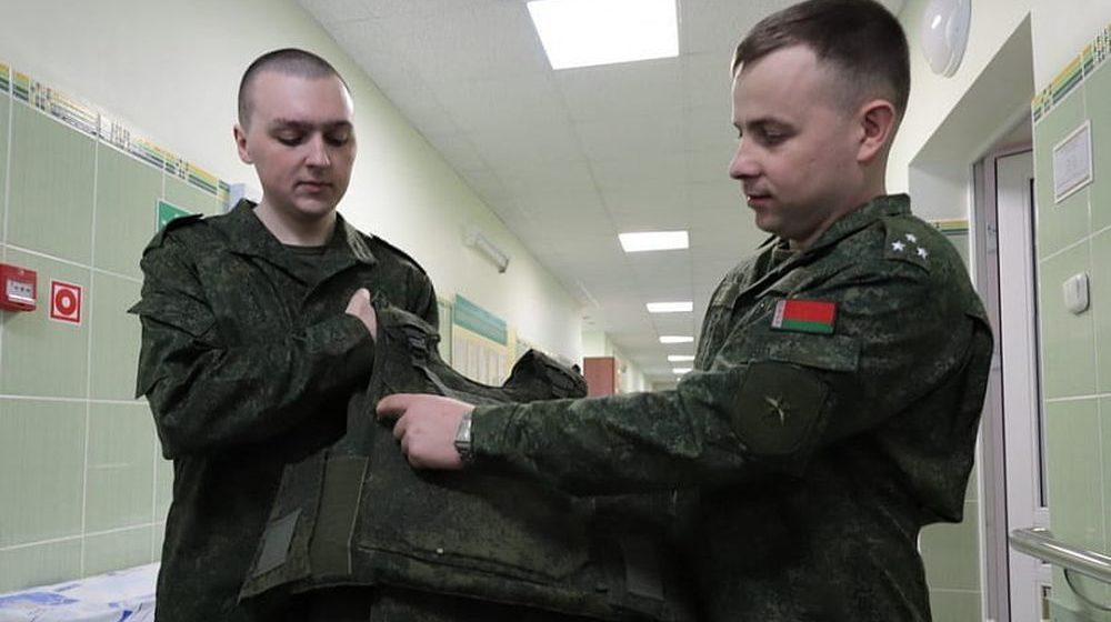 Наградят офицера, который закрыл собой солдата во время взрыва гранаты