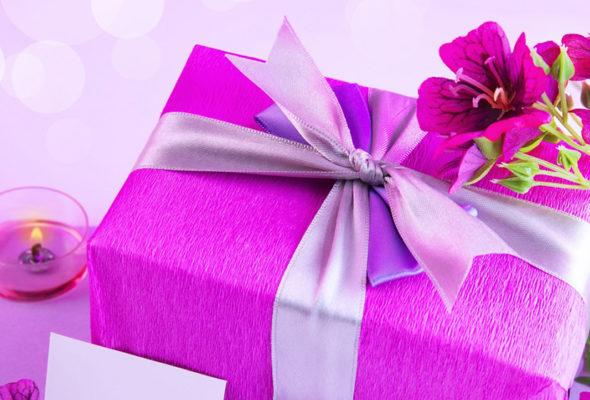Подарок к 8 марта купить легко