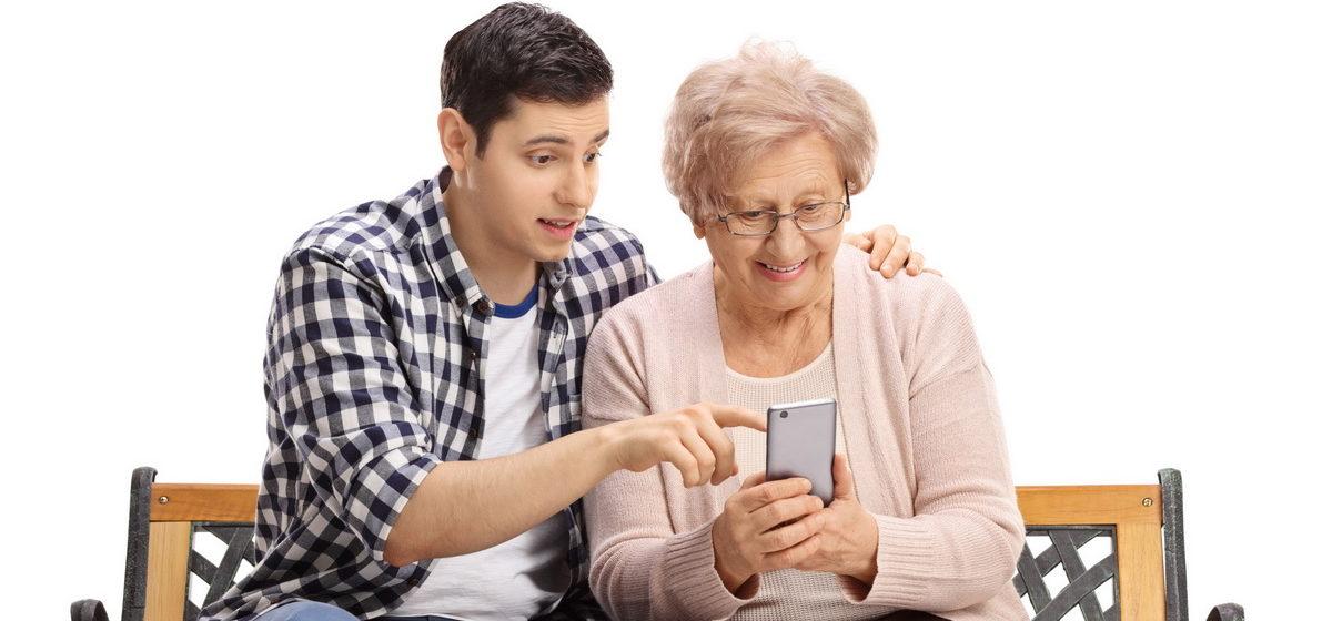 Большие кнопки и функция озвучивания набираемых цифр. Выбираем телефон для пожилого человека