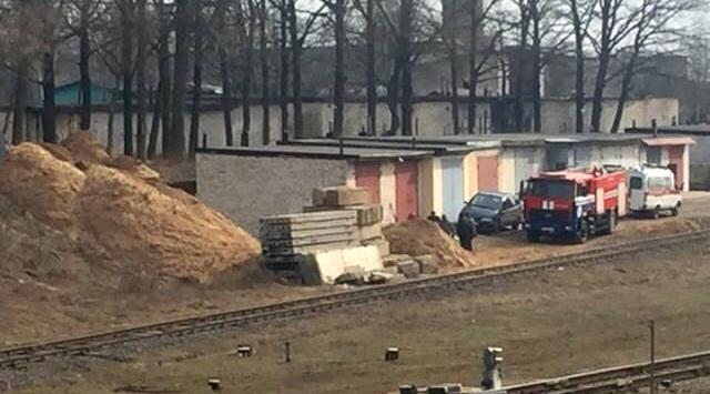Мужчину засыпало песком во время строительных работ в Барановичах