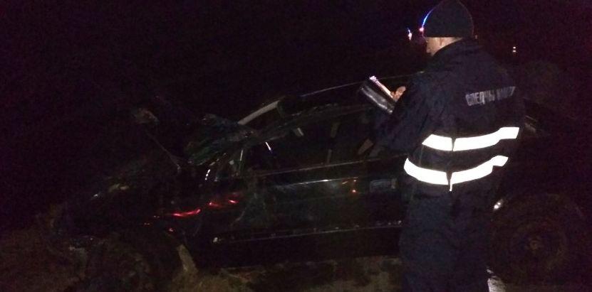 В Полоцком районе Opel вылетел с дороги в кювет с водой. Погибли 22-летний водитель и 17-летняя пассажирка