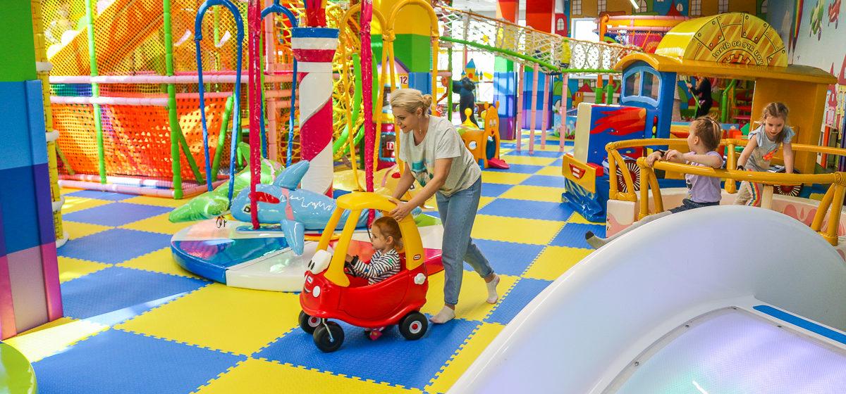 Мир героев и сказочного развлечения: в Барановичах открылся уникальный детский развлекательный центр «Банана Сити»*