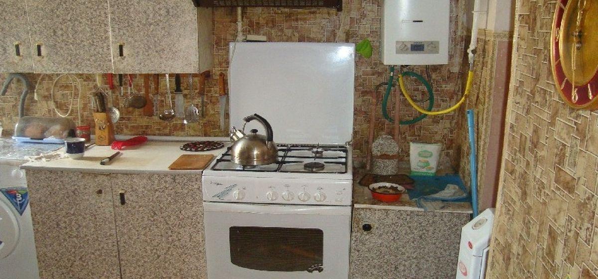 На дедушке в Барановичах загорелась рубашка, когда он ставил на плиту чайник