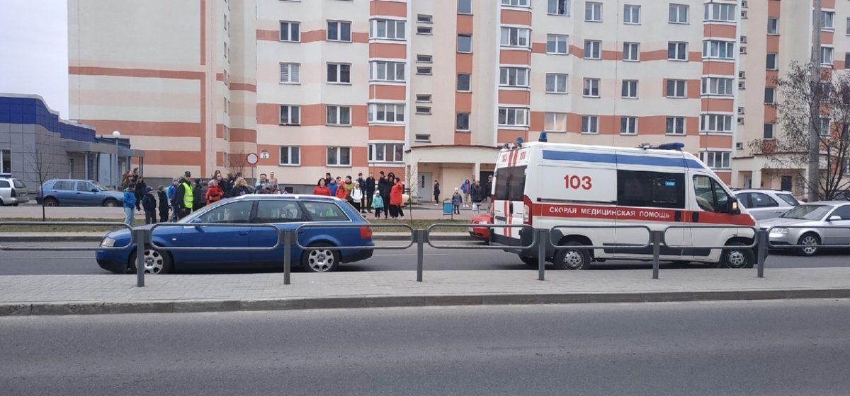 В Барановичах в Боровках автомобиль сбил девочку