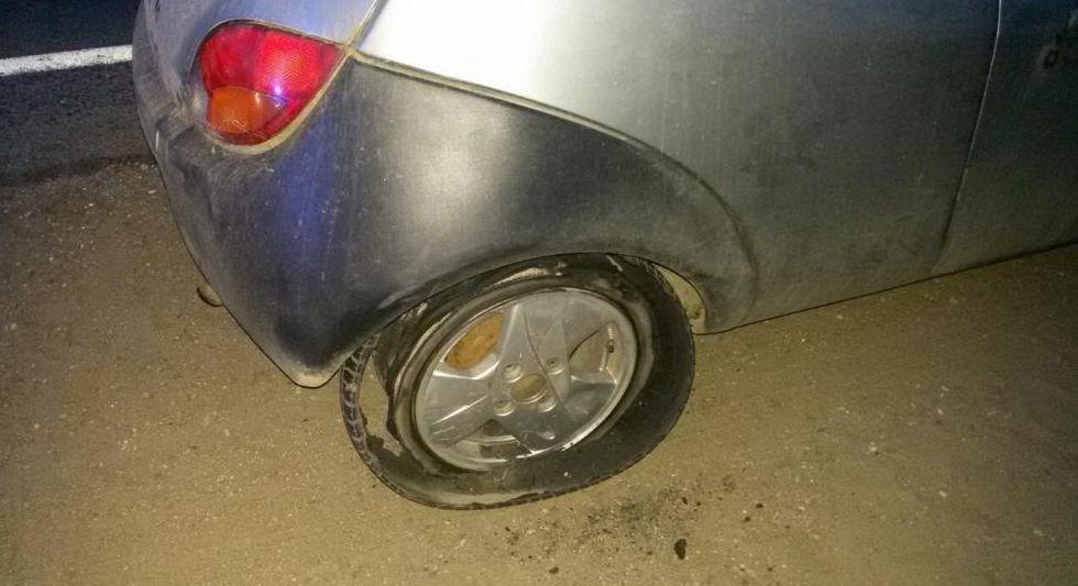 Под Ляховичами во время движения в машине разбортировалось купленное в Барановичах колесо