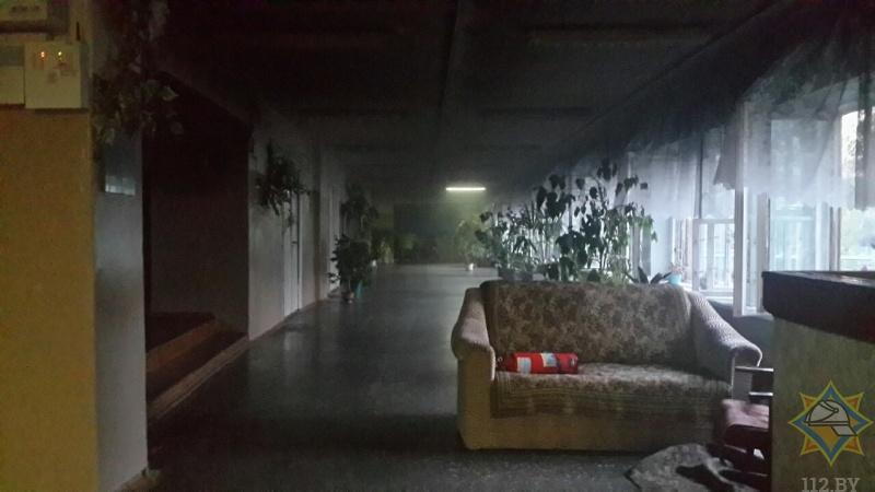 В Барановичах горело общежитие, вахтера госпитализировали