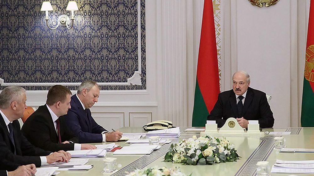 Лукашенко об ограничениях поставок продукции в РФ: «Там уже обнаглели до такой степени, что начинают нам выкручивать руки»