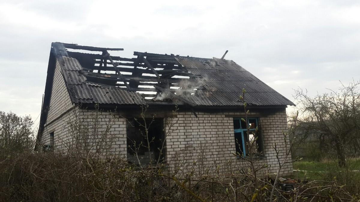 26 апреля. Пожар в Приозерной. Фото: Барановичский ГРОЧС