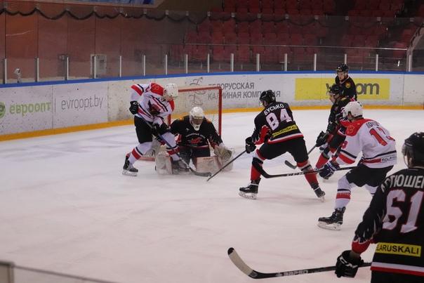 ХК «Барановичи» крупно выиграл в домашнем матче Игр развития