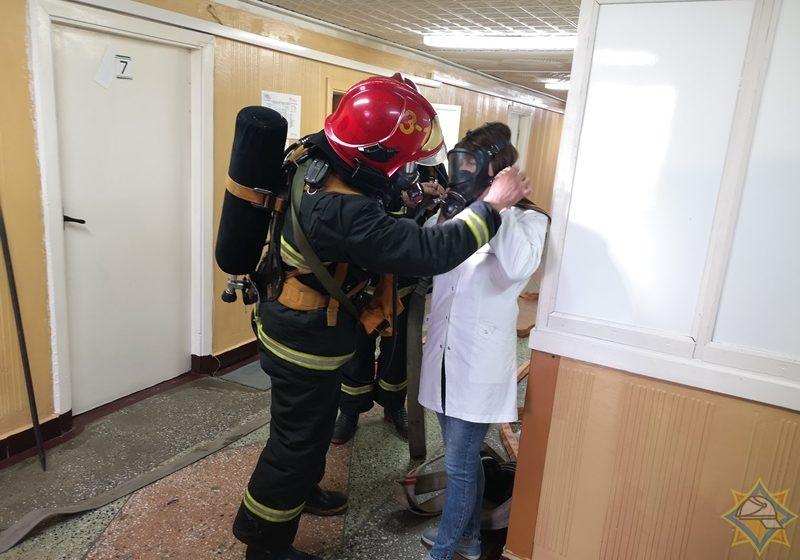 Как проходили учения МЧС в Барановичской горбольнице (фото)