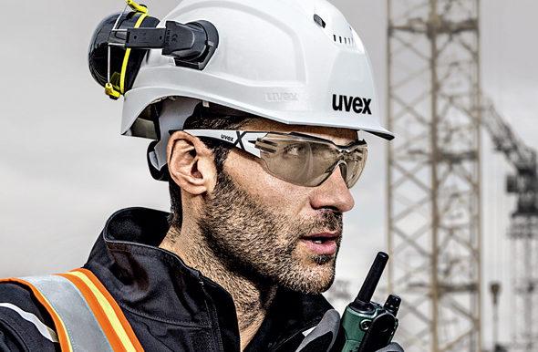Защитные очки – одно из главных условий безопасности работы
