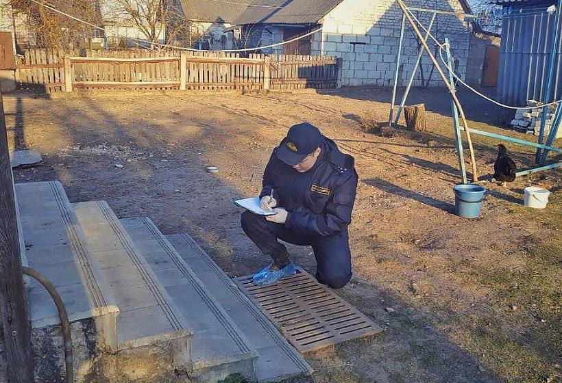 В Гродненской области у частного дома обнаружен убитый мужчина