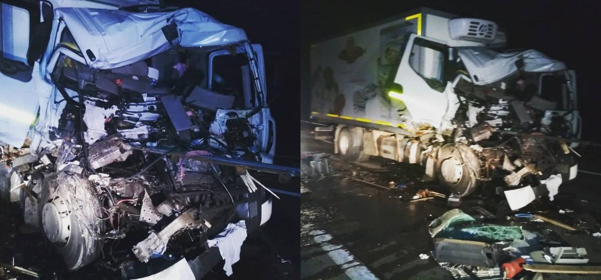 Две фуры столкнулись на трассе М1 под Барановичами