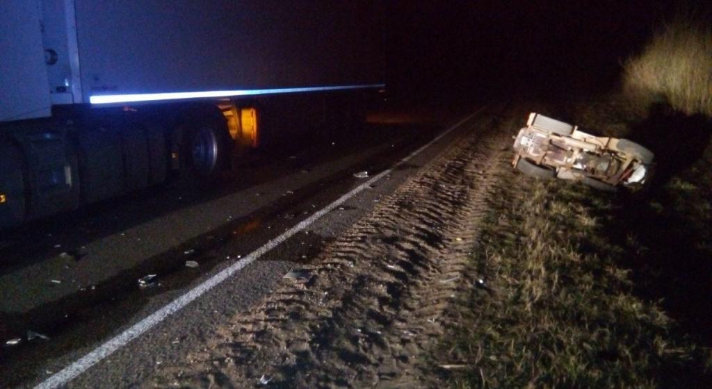 Бесправник на самодельном тракторе въехал в фуру в Вилейском районе