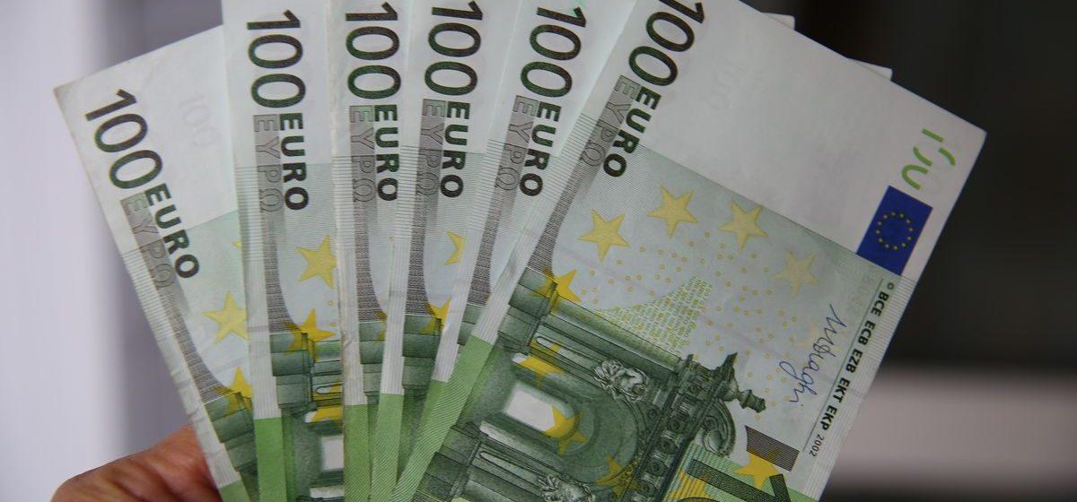 Белорусский рубль 10 апреля укрепился ко всем основным валютам