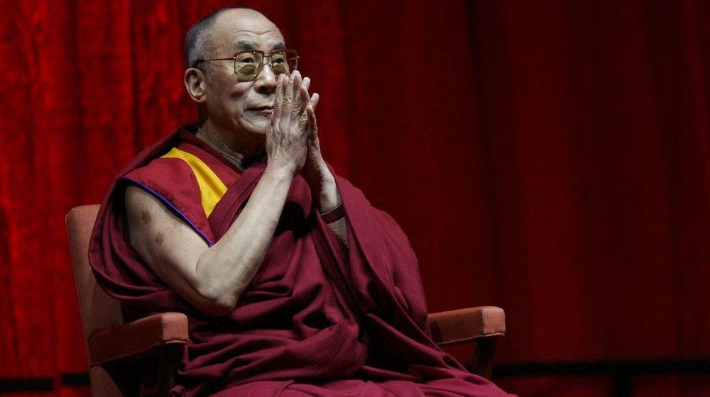 Далай-ламу XIV госпитализировали в Индии