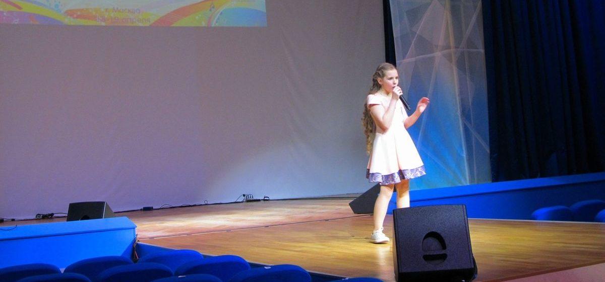Школьница из Барановичей вышла в полуфинал престижного в СНГ вокального конкурса (фотофакт)