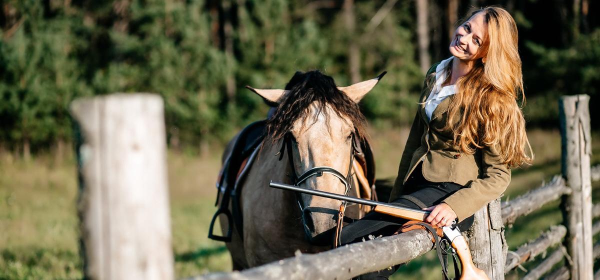 Мой бизнес. Как девушка уволилась из мебельной фирмы, переехала в деревню и открыла интернет-магазин конного снаряжения