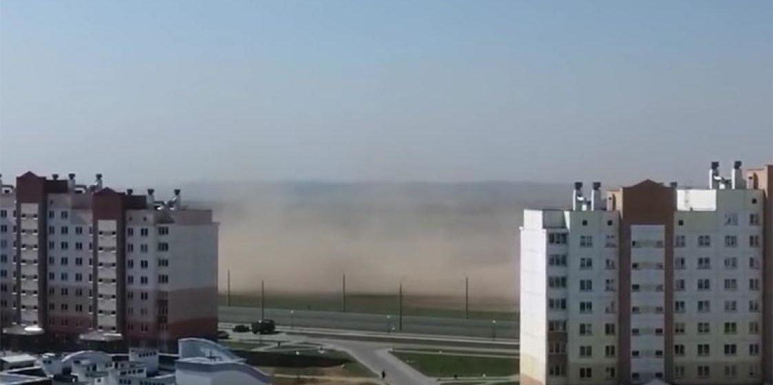В Беларусь пришла песчаная буря из Африки (видео)