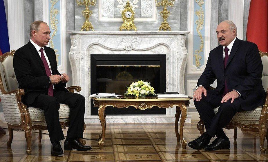 Путин даст $600 млн кредита, а Беларусь прекратит сертификацию продуктов для реэкспорта в РФ
