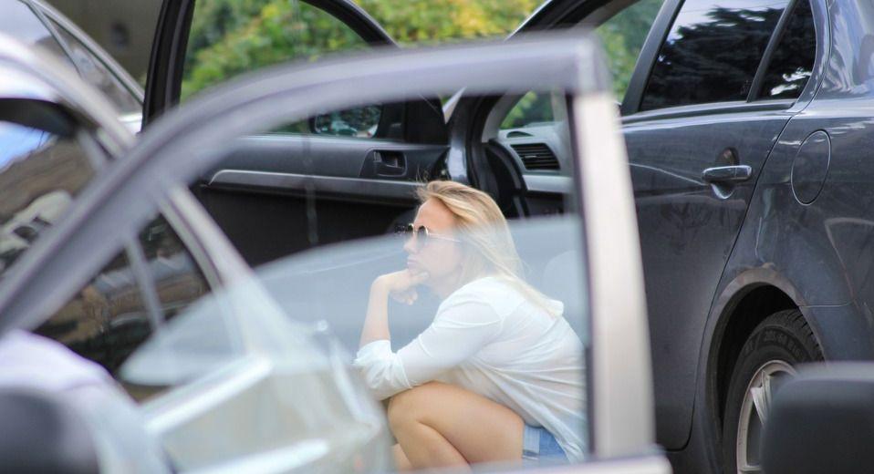 Пьяную в машине — pic 1