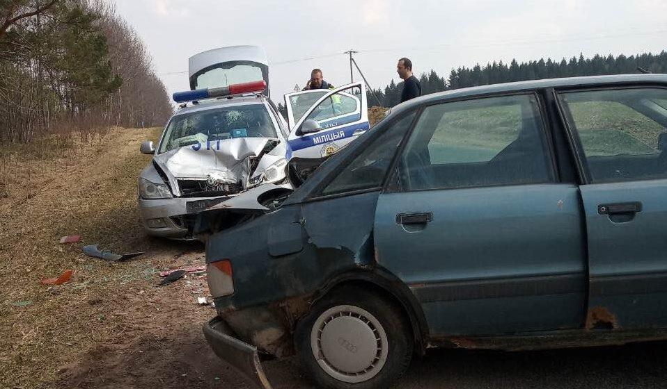 На Витебщине автомобиль ГАИ столкнулся с Audi (фотофакт)