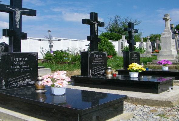 Памятники из гранита сохранят память на века