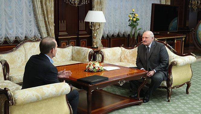 «Он готов делать все необходимое». «Кум Путина» рассказал, что обсуждал с Лукашенко в Минске