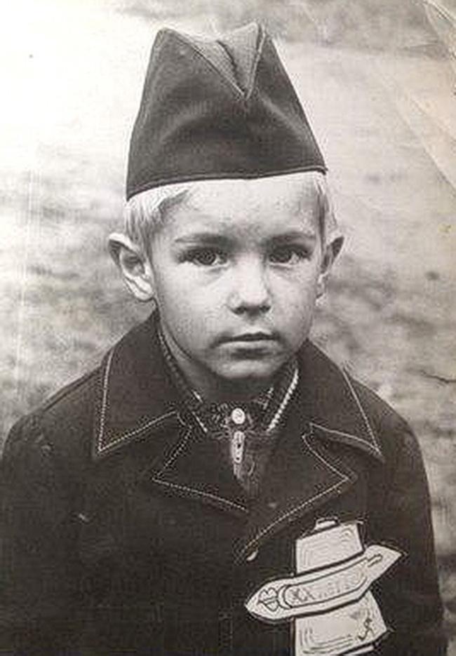 Начало 80-х годов. Пионер Саша Михеенко. Фото: личный архив