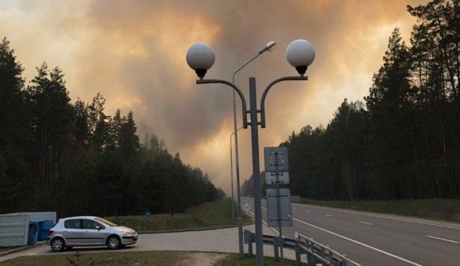 Вниманию водителей! Из-за сильного лесного пожара закрыли пункт пропуска «Привалка»