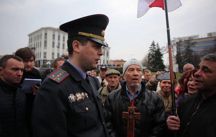 Молебен о Куропатах прошел в центре Минска. Инициатор мероприятия задержан