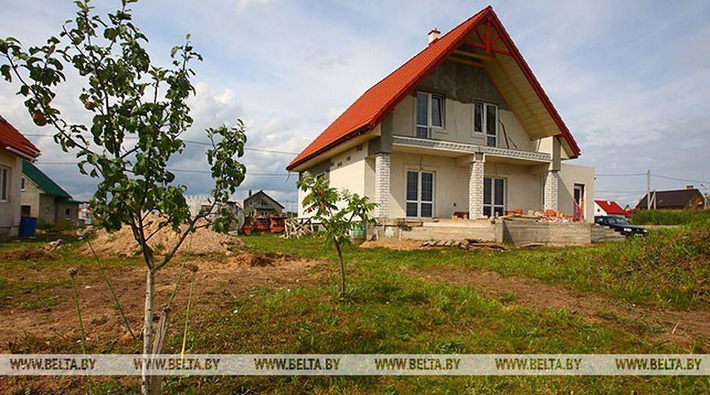 Иностранцам и лицам без гражданства в Беларуси могут разрешить владеть земельными участками