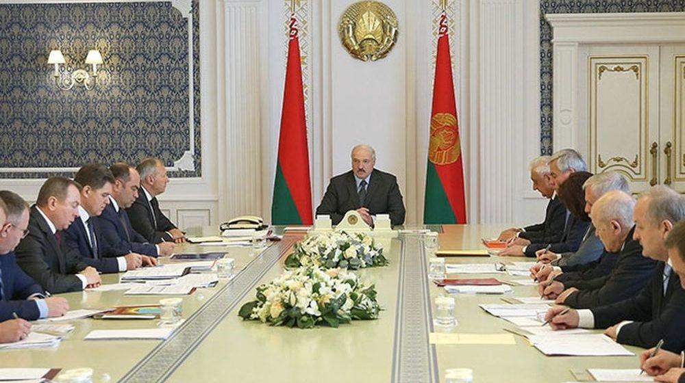 Лукашенко премьеру: «Не пишите мне доклады. Надо две строчки – чего вы добились положительного»