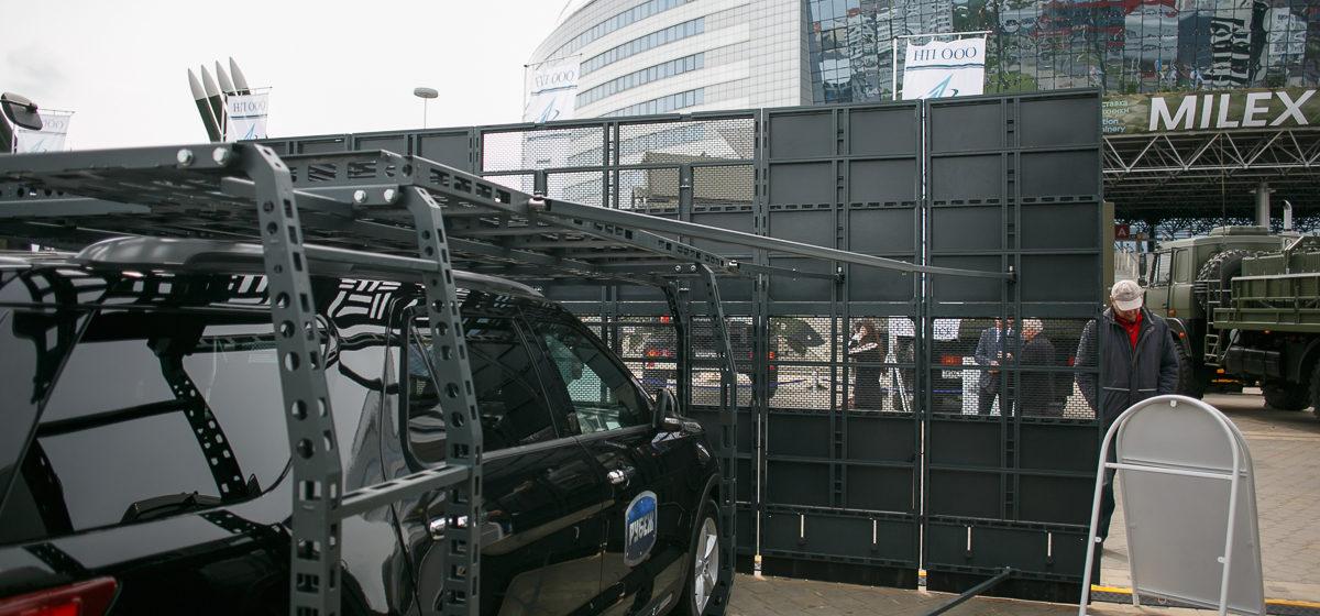 В Беларуси разработали спецавтомобиль для борьбы с уличными протестами (фото)