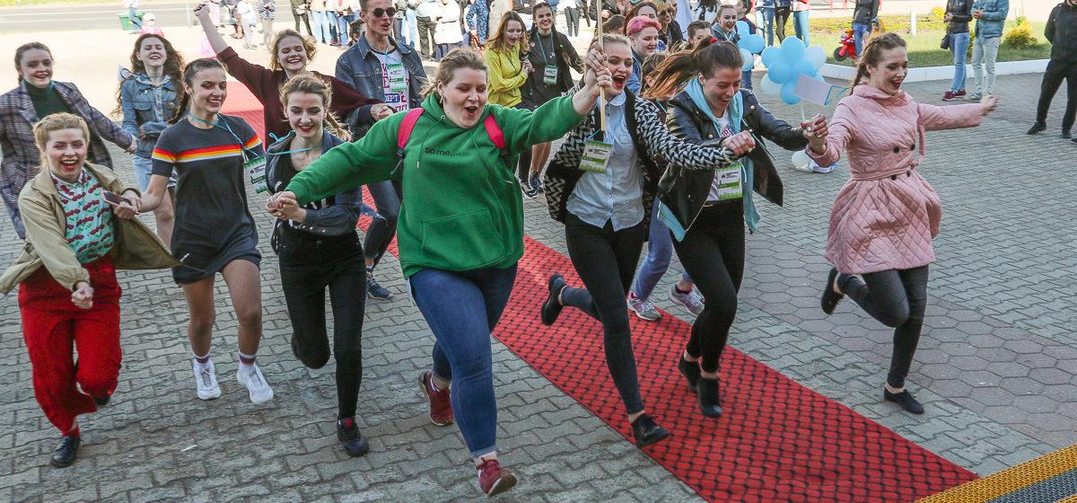Международный театральный фестиваль «Параллельные миры» открылся в Барановичах. Фоторепортаж