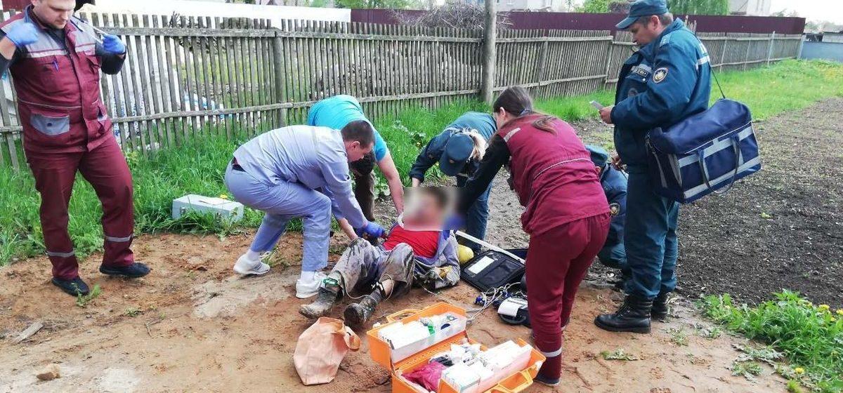 На Могилевщине спасатели достали из колодца мужчину, он был пьян и без сознания