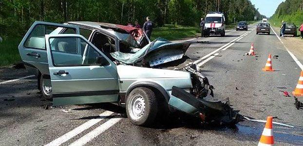 Под Быховом столкнулись мотоцикл и легковушка, оба водителя погибли