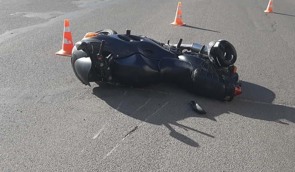 В Барановичах автомобиль сбил мотоциклиста. Женщина-водитель с места ДТП скрылась