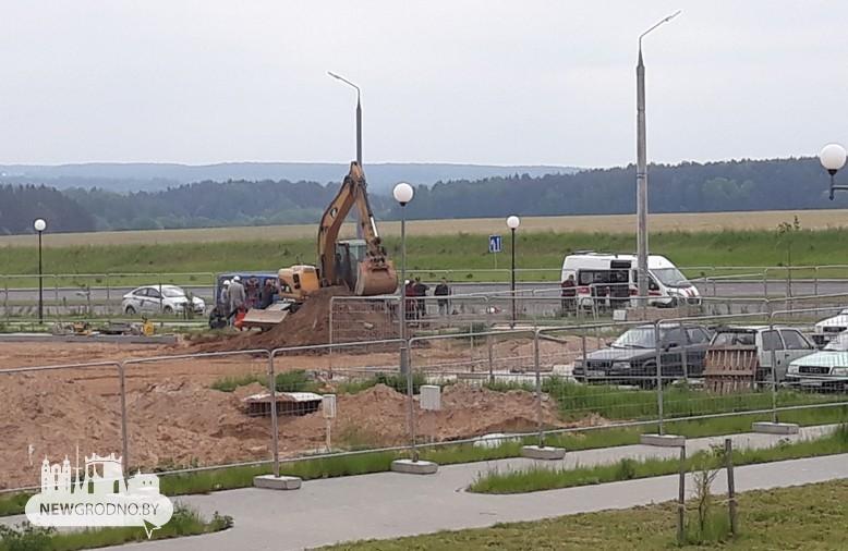 В Гродно рабочего на стройке засыпало обвалившимся грунтом, мужчина погиб