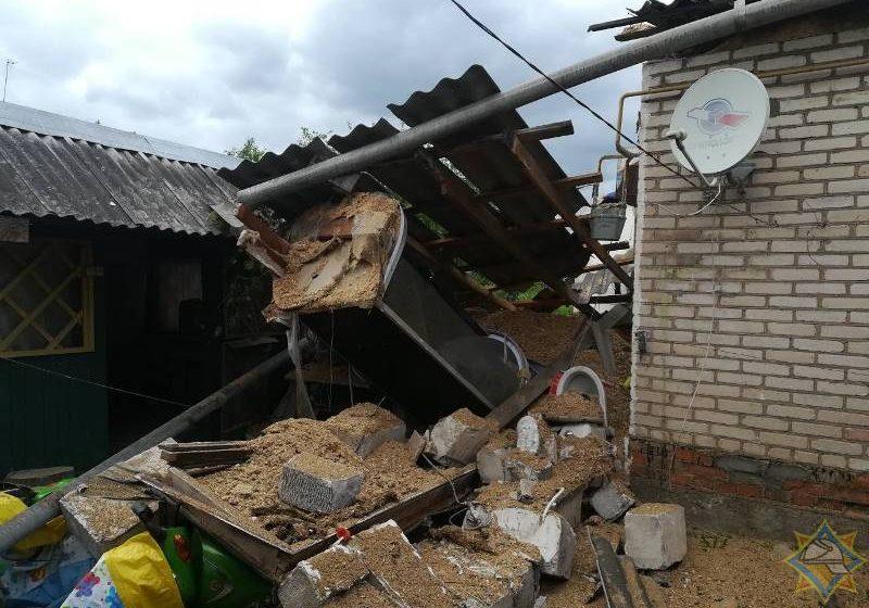 В Лепеле взорвалась пристройка к дому, есть пострадавшие