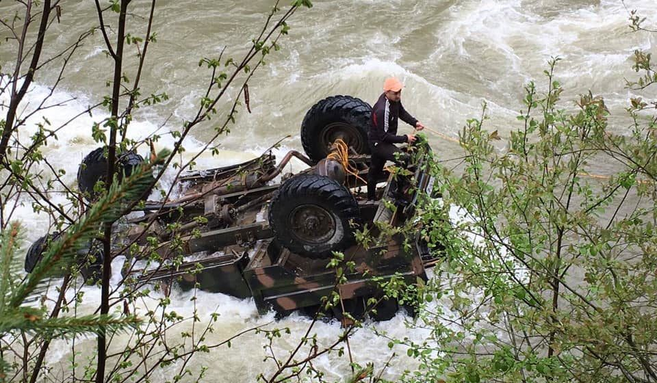 Пьяный водитель, крутой обрыв. Подробности ДТП с группой белорусских туристов в Карпатах