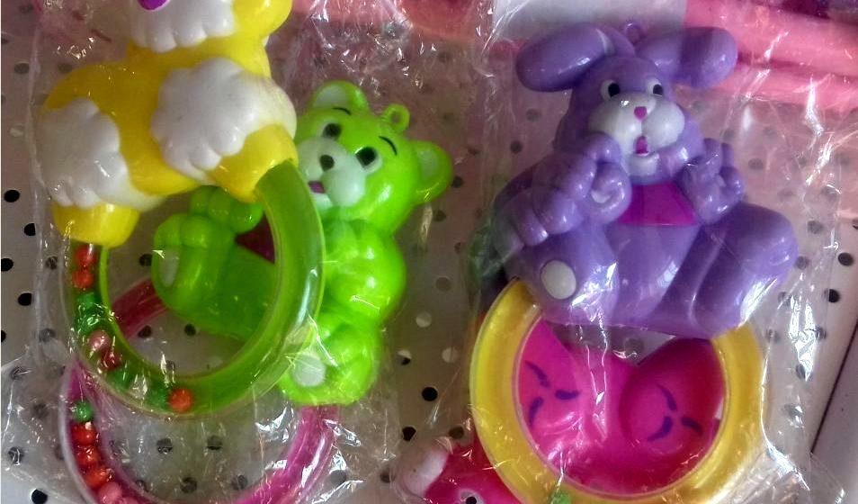 Почему детям в руки попадают токсичные игрушки. На что следует обращать внимание при покупке