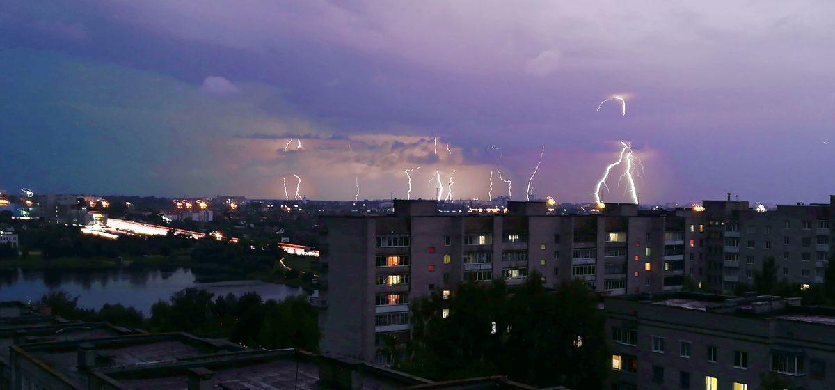 Метеорологи объявили о штормовом предупреждении вечером 11 мая