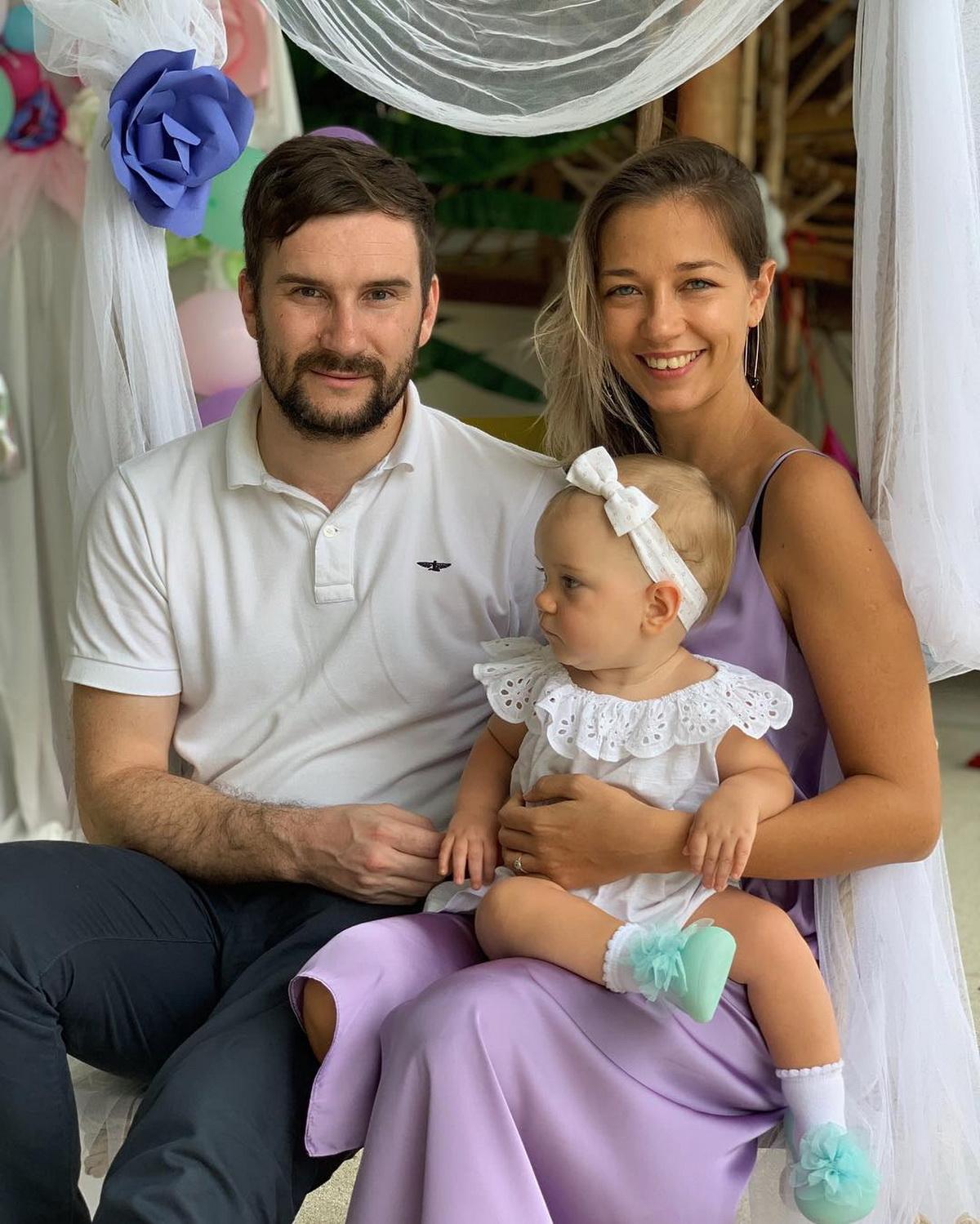 Екатерина Рутковская с мужем Олегом и дочерью Таей. Фото: личный архив