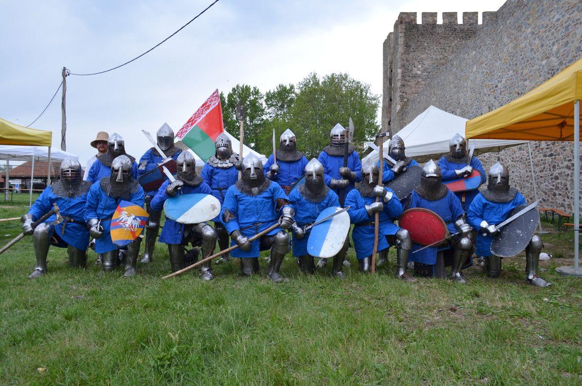 Сборная Беларуси по историческому средневековому бою. Фото: vk.com/kantonzurich