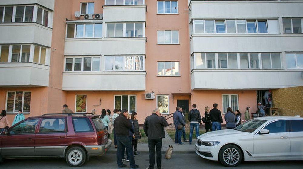 Жильцы новостройки на Широкой вызвали МЧС — разрушается еще одна несущая колонна