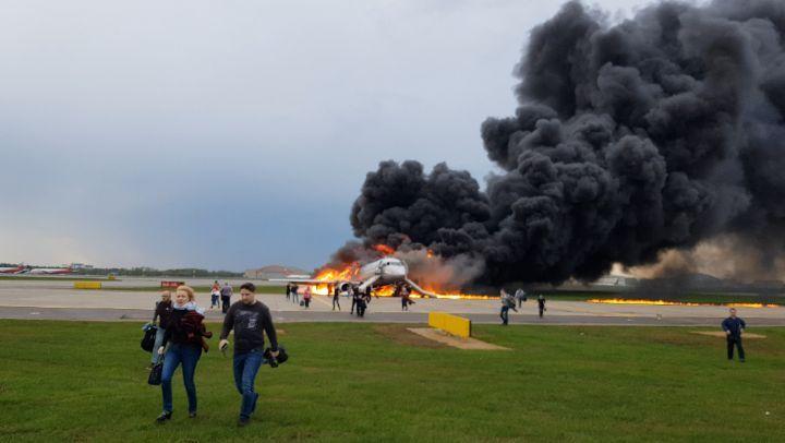СК РФ: 41 человек погиб, 19 пострадали во время аварийной посадки Superjet 100 в Шереметьеве