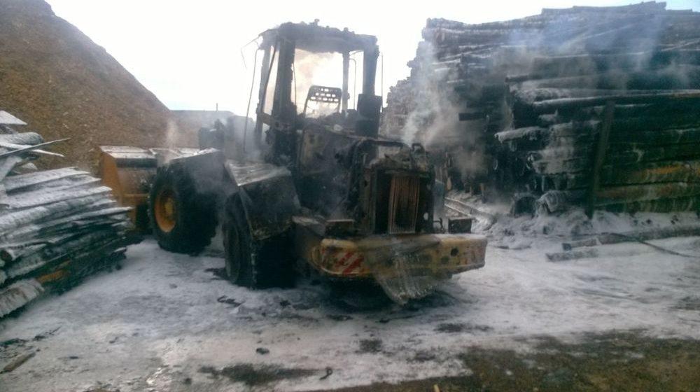 В Барановичах сгорел погрузчик «Амкодор»
