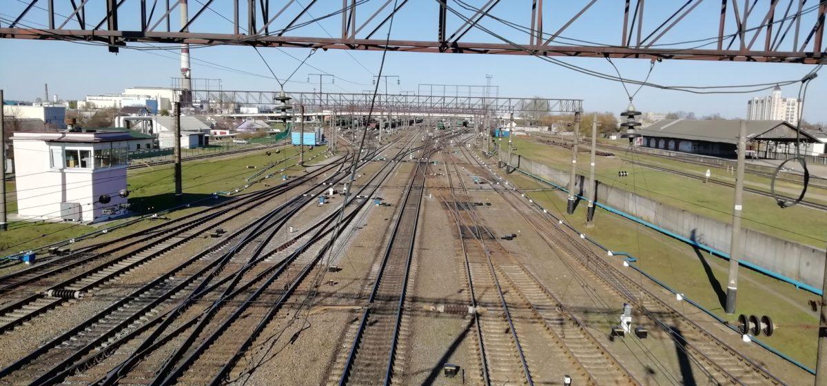 Электричка сбила 31-летнего мужчину под Пуховичами
