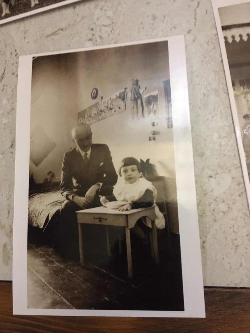 1930-е годы. Кристина с отцом Бруно Бохвицем в Павлиново.
